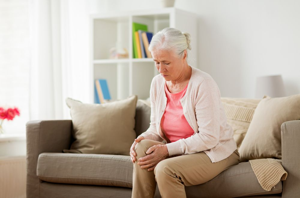 Common Causes of Knee Pain in Seniors - ActiveBeat