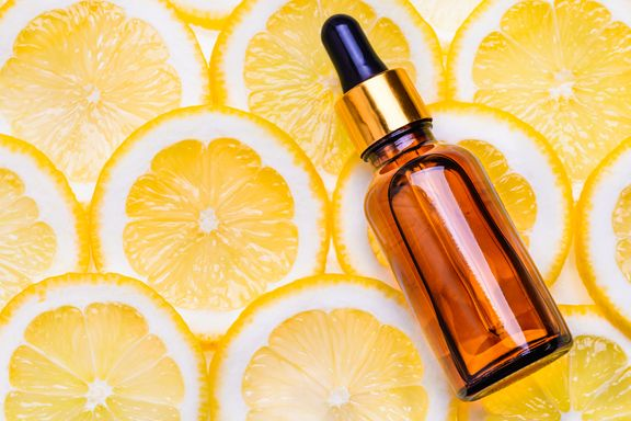 A Complete Guide To Vitamin C Serum: What It Is and Why You Should Use It