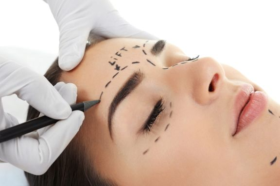 Surgical vs Non-Surgical Brow Lifts in 2021 + Pros & Cons of Each