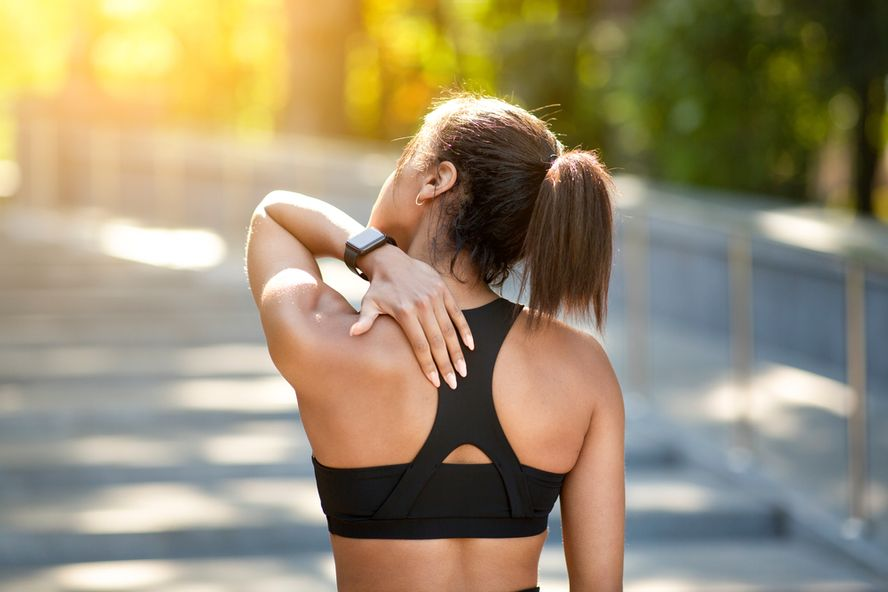 Muscle Tightness: Signs, Symptoms, Causes, and Treatment